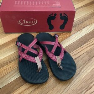 CHACO pink hipthong